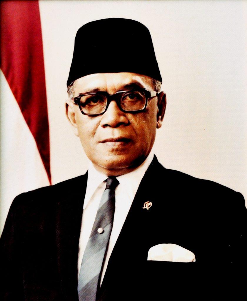 biodata sri sultan hamengkubuwono ix serta profil biografi