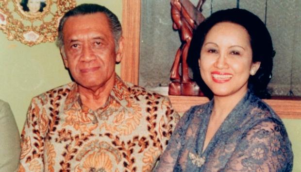 Keluarga dan Istri Sri Sultan Hamengkubuwono IX serta Anak Anak