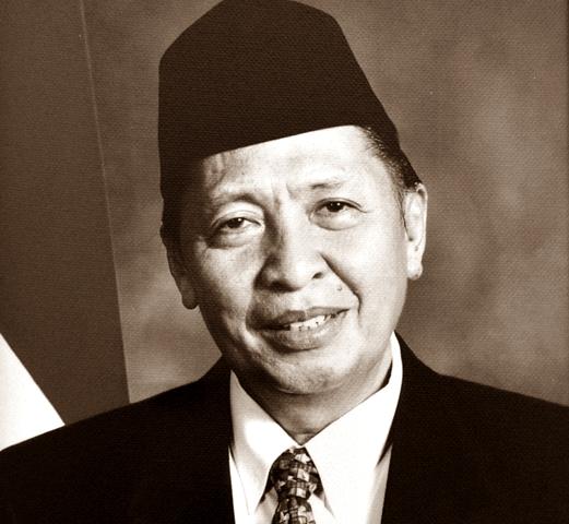 Biodata Hamzah Haz sebagai Wakil Presiden RI dan Profil Biografi Lengkap Mengenai Riwayat Pendidikan dan Karier