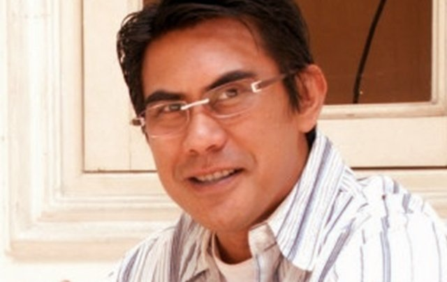 Biodata Rico Tampatty Pemeran Sinetron Orang Ketiga SCTV serta Profil Karier Lengkapnya Sebagai Konsultan Bisnis juga Penyanyi