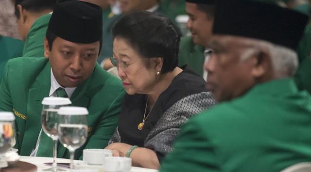 Hamzah Haz Menjadi Wakil Presiden dari Megawati Soekarnoputeri pada 2001